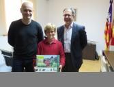 Jordi Grivé, el nen premiat Josep Cardona, i l'alcalde Josep Marí Ribas